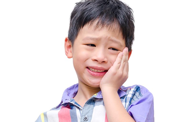 お子さまのむし歯を放置するリスク